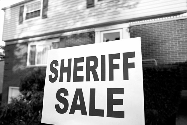sheriff-sale-bw